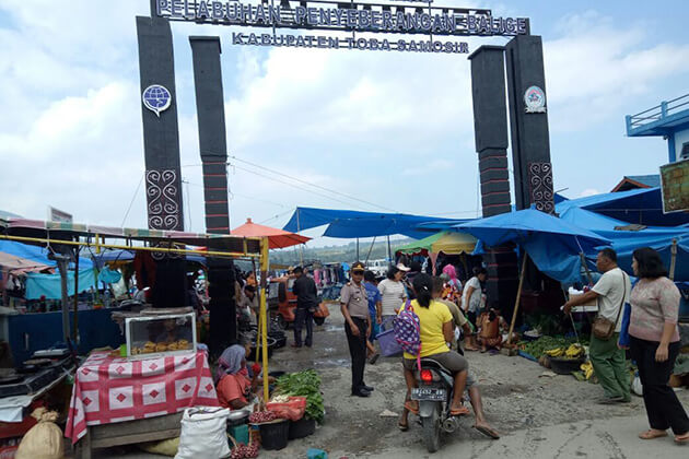 Balige traditional market - attraction for sumatra tour