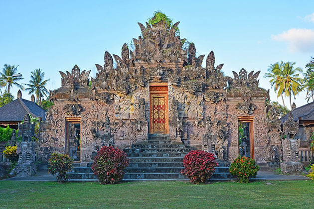 Beji the oldest temple in Bali - attraction for indonesia tour