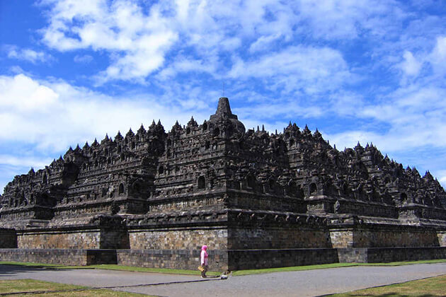 Borobudur temple - must see spot in indonesia vacation