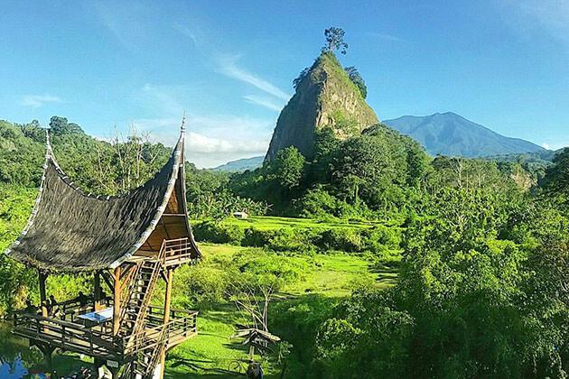 Bukittinggi - Sumatra attraction to visit the indigenous group of Minangkabau