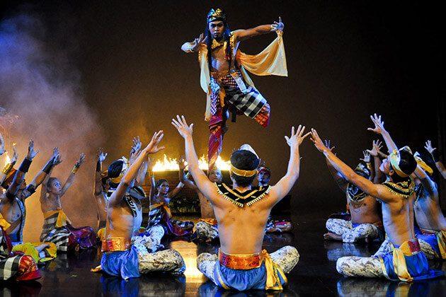 Devdan Show - interesting experience in Indonesia honeymoon package