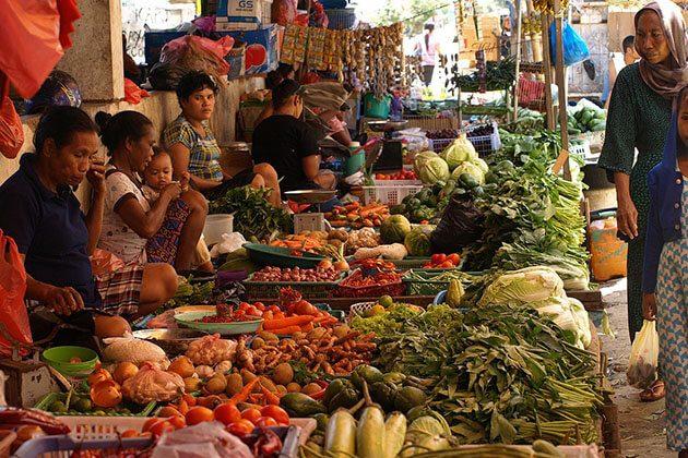 Gunung Sari Morning Market - highlight of lombok indonesia