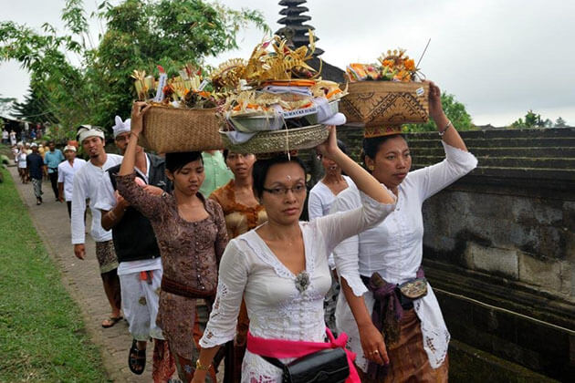 Hinduism is the oldest religion in Indonesia in Indonesia