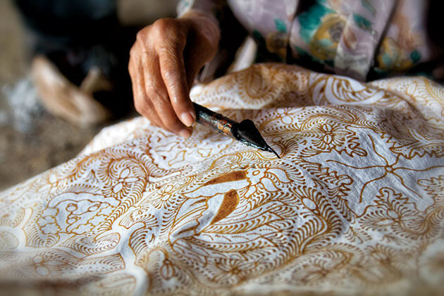 Indonesia People Are creative to make fabric