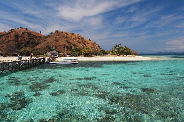 Kanawa Beach stunning pristine beach in Indonesia
