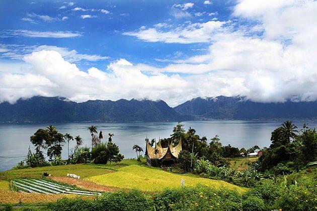 Manijau lake
