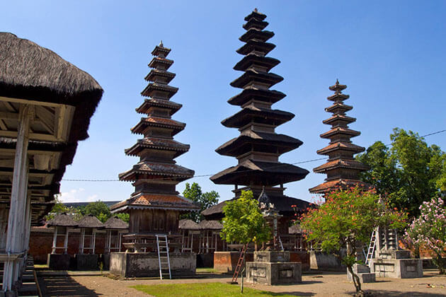 Meru Temple - attraction for indonesia luxury tour