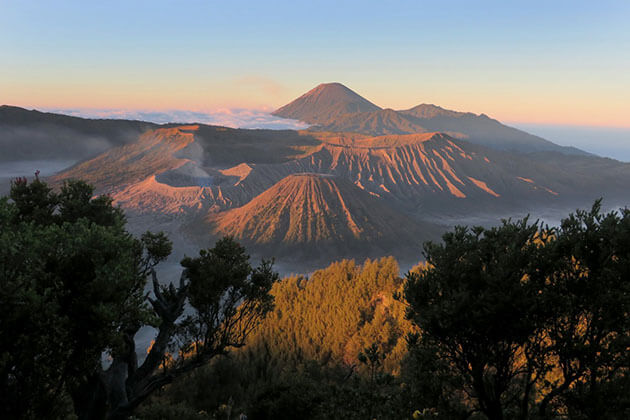 Mount Bromo - must-see attraction for yogyakarta tour package