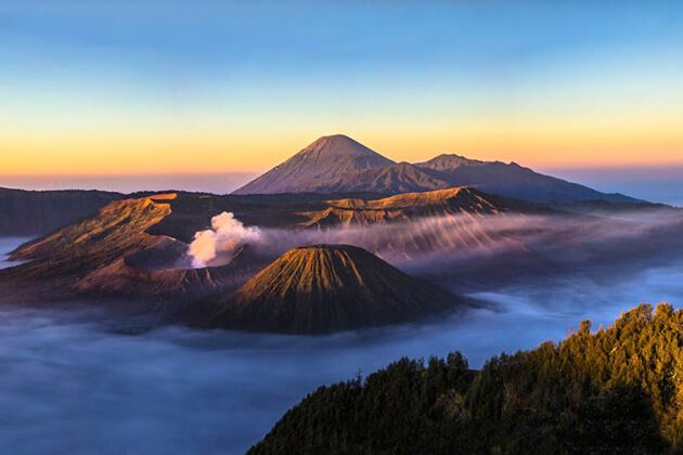 Mt bromo sunset - highlight of indonesia vacation