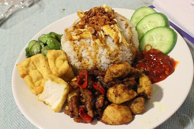 Nasi Uduk - one of famous Indonesia foods
