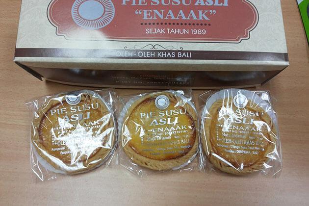 Pie Susu - good souvenir gift to buy in bali indonesia