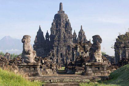 Prambanan Temple - attraction for yogyakarta tours