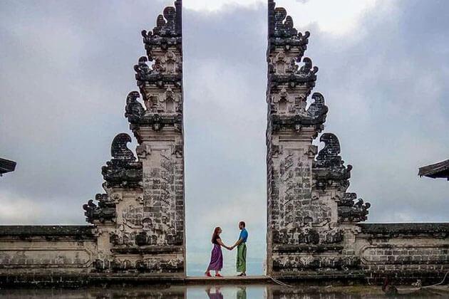 Pura Lempuyang temple - attraction for indonesia honeymoon trip