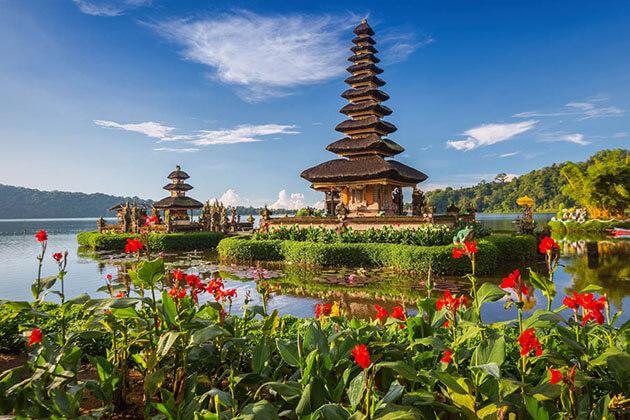 Pura Ulun Danu Bratan Temple - great attraction in Bali