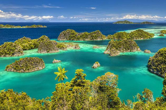Raja Ampat Islands - wonderful honeymoon destination in Indonesia