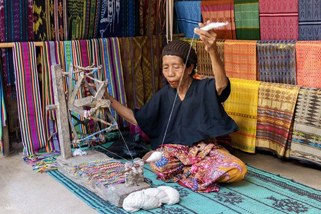 Sasak Village discovery in indonesia luxury tour