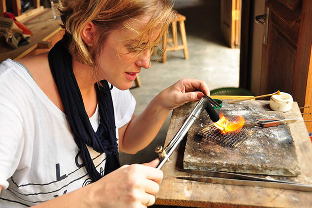 Silversmithing class - exciting activities in bali honeymoon packages