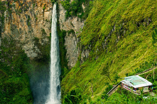 Sipiso-Piso waterfall - attraction for sumatra day trip