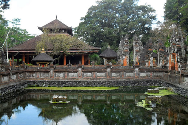 Tampaksiring water temple