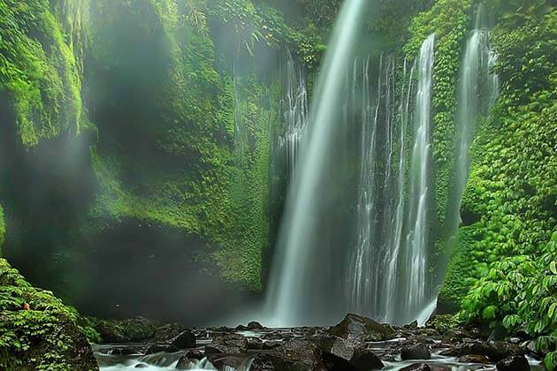Tiu Kelep Waterfall - amazing thing to do in Lombok