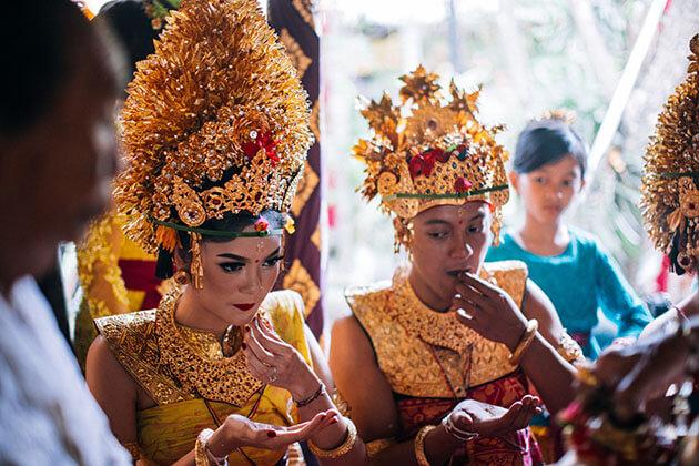 Traditional Balinese Wedding Ceremony - highlight of indonesia honeymoon