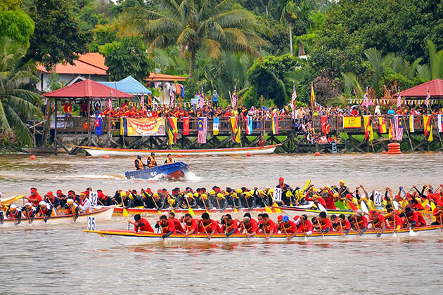 bidar boat race a worthseeing festival in indonesia