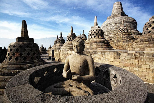 borobudur temple - indonesia thing to do