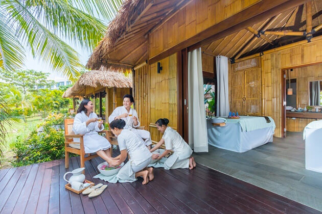 enjoy massage in indonesia honeymoon vacation