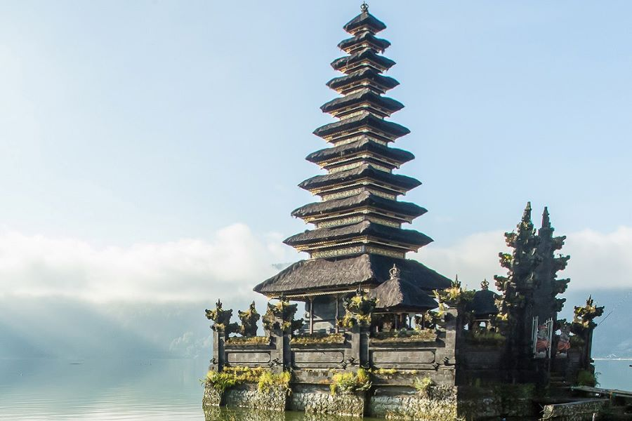 feel confident to travel indonesia tour packages