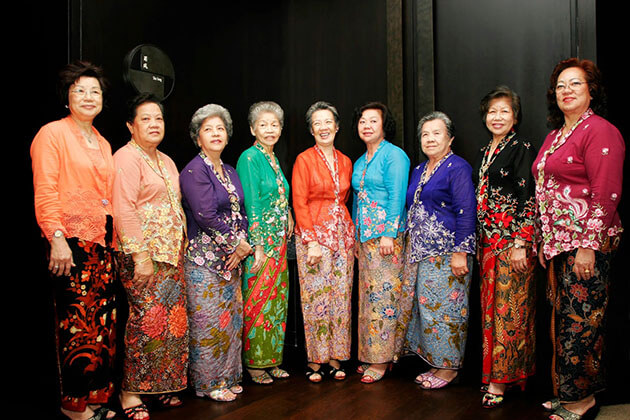 indonesia traditional clothing for female