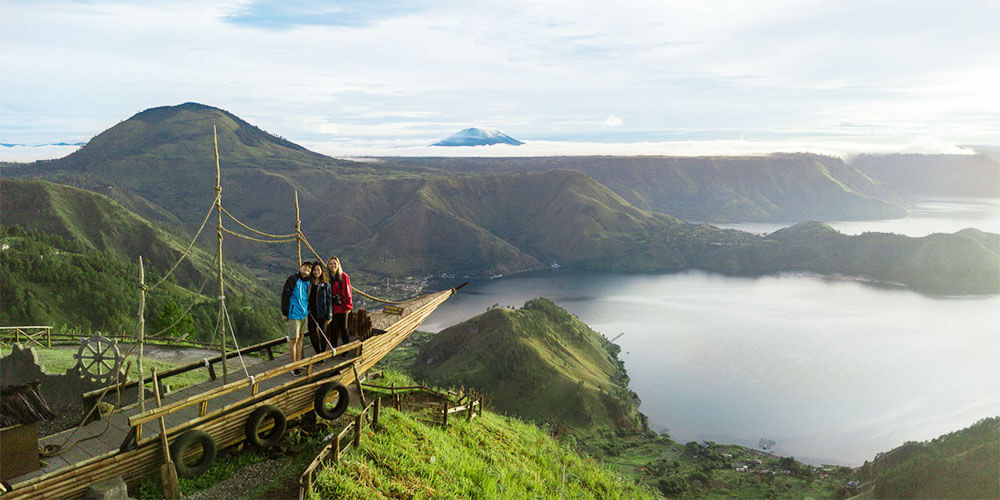 lake toba attraction for sumatra tours and vacation packages