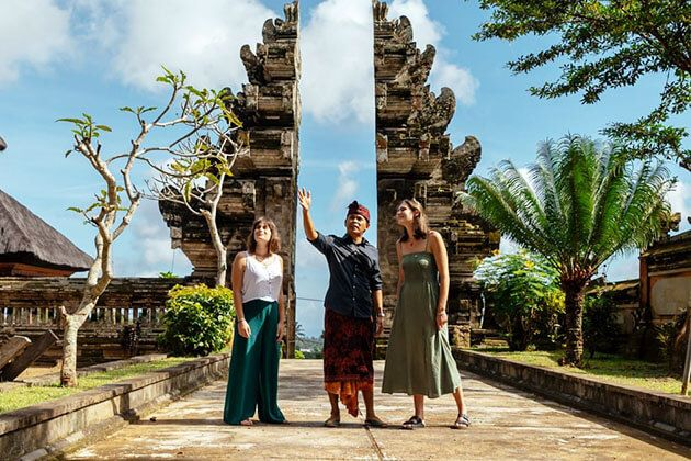 local experts on Indonesia tours