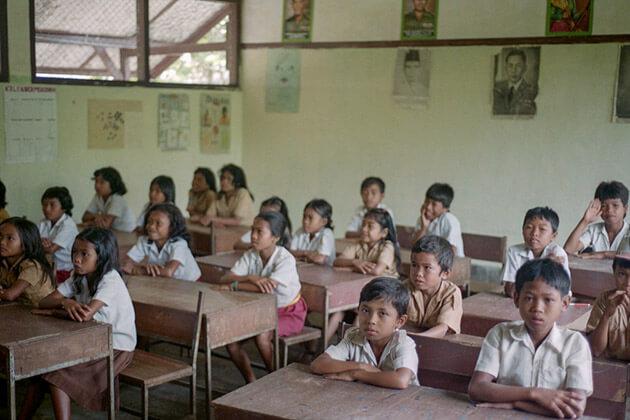 lombok school visit - indonesia luxury tour