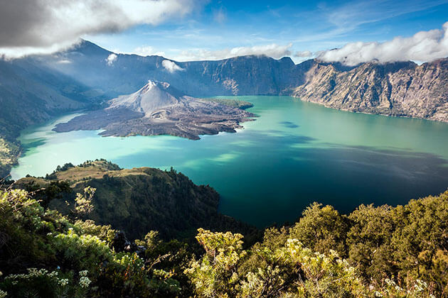 mt Rinjani - spectacular attraction for lombok vacation package