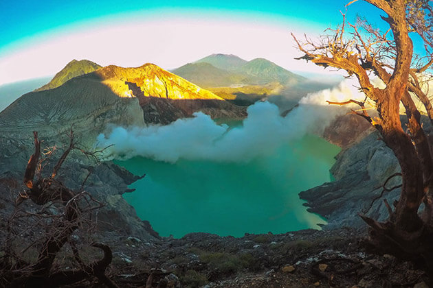 mt ijen sunrise - attraction to see in indonesia tour