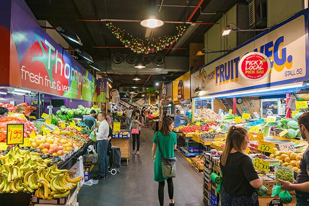 nightmarket in indoesia nightlife