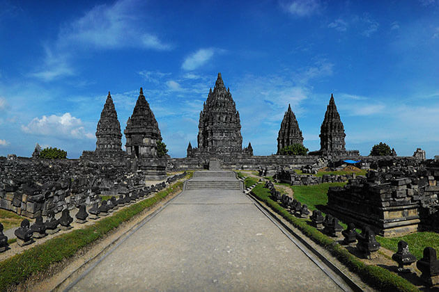 prambanan temple - atraction for indonesia trip