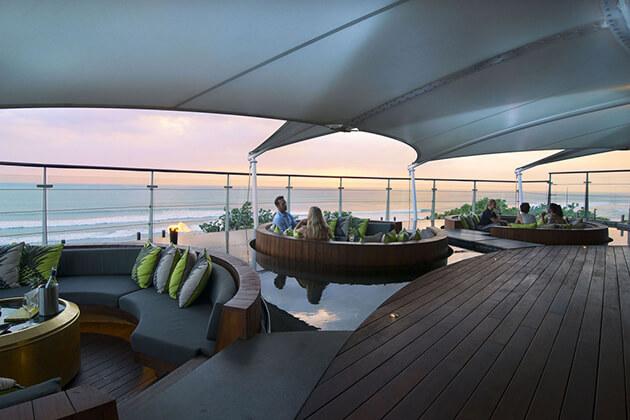 rooftop bar semyinyak - enjoy the highlight of bali honeymoon trip