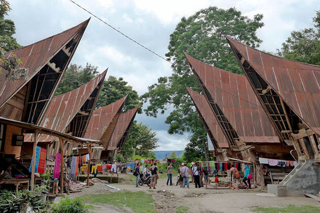 traditional batak house attraction for sumatra tours