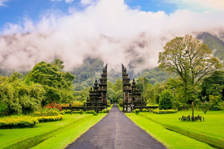 travel indonesia tours with confidence